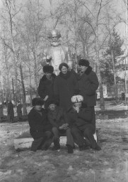 В ж.д.парке, конец 1970-х гг.