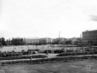 Центральная площадь перед гостиницей, 1974 г.