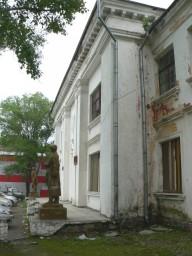 Крыльцо у центрального входа в ГДО г.Свободный